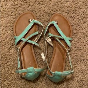 Strapped sandals in great condition